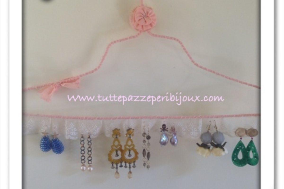 Idee Per Porta Orecchini portaorecchini fai da te: gioielli e vecchi merletti
